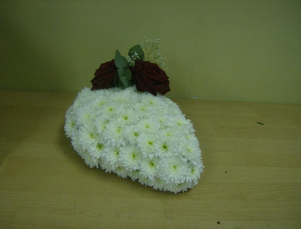 Funeral Flower Tributes Delivery Cupar St Andrews Newburgh Perth